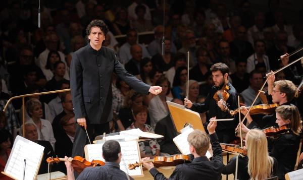 Young Philharmonic Orchestra Jerusalem Weimar, Dirigent: Michael Sanderling | © Kai Bienert